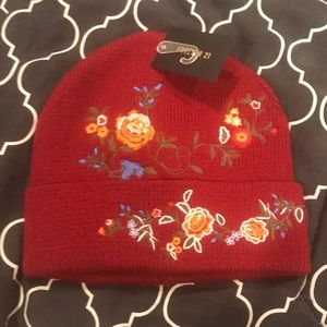 NWT EMBROIDERED BURGUNDY WINTER HAT FOREVER 21